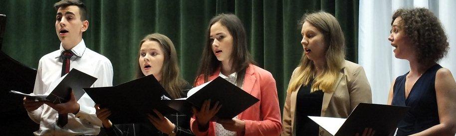 Występy uczniów ZSiP w Domosławicach przed kolegami z programu ERASMUS