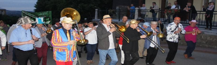 XVII Baszta Jazz Festival parada nowoorleańska